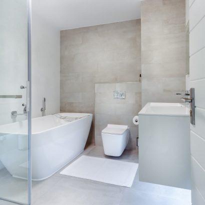 3 ideas para decorar los baños con mármol